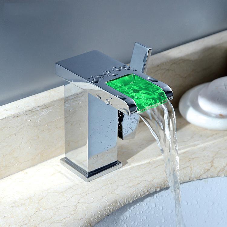 led wasserhahn chrom offener auslauf sehr exclusiv waschtisch armatur bad k che. Black Bedroom Furniture Sets. Home Design Ideas